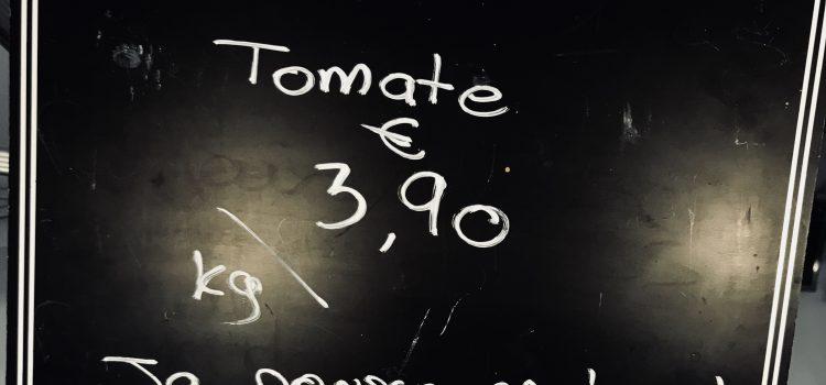les tomates poussent en terre