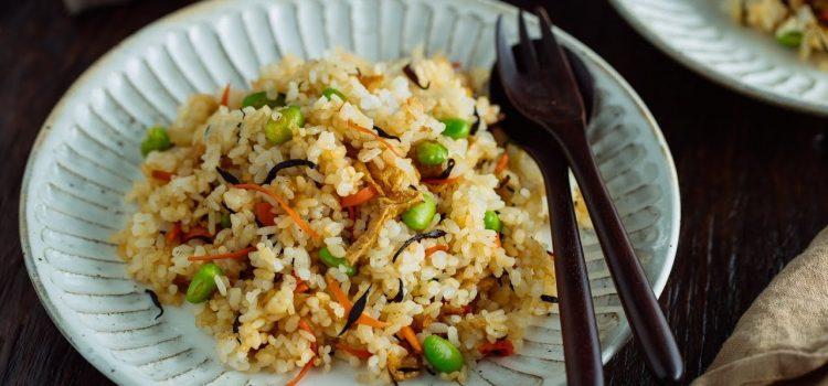 Riz cantonais, le plat de d'urgence que toutes les mamans devraient connaître !