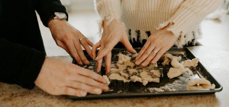 Saint Valentin : 3 bénéfices de cuisiner à deux